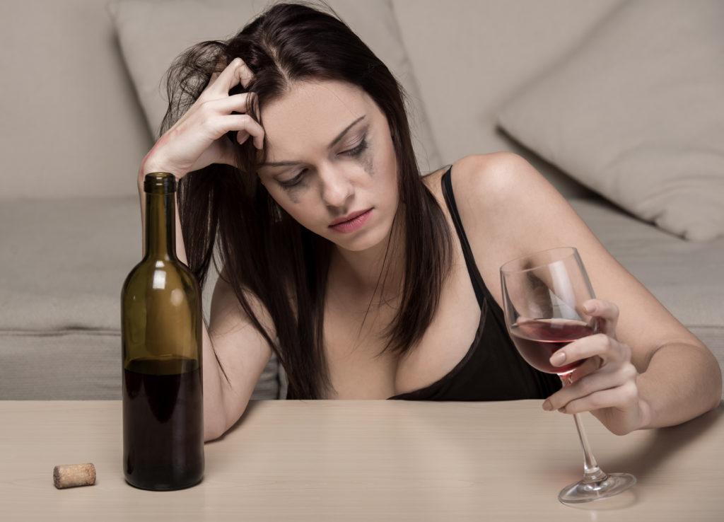 zhnskij alkogolizm 1024x738 - Кодирование женщин от алкоголизма